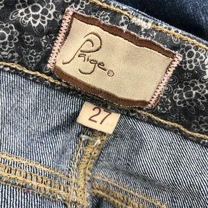 CAbi Jeans - Designer Jeans Reseller Box